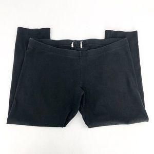 My simple black cropped leggings